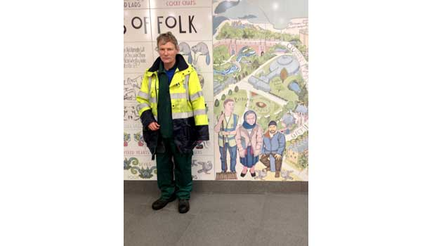 Ceramic Tile Mural Brightens Glasgow Subway 2012 10 22